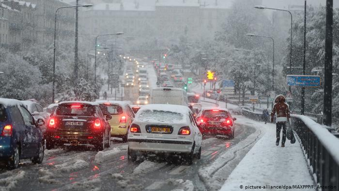 Snow on French roads