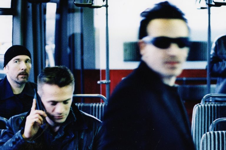 U2: Box set για τα 20ά γενέθλια του «All That You Can't Leave Behind» [vid]